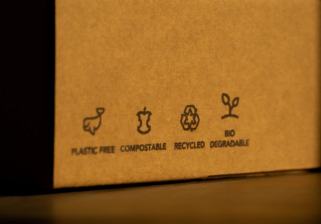 Plastic-free sustainable cardboard packaging